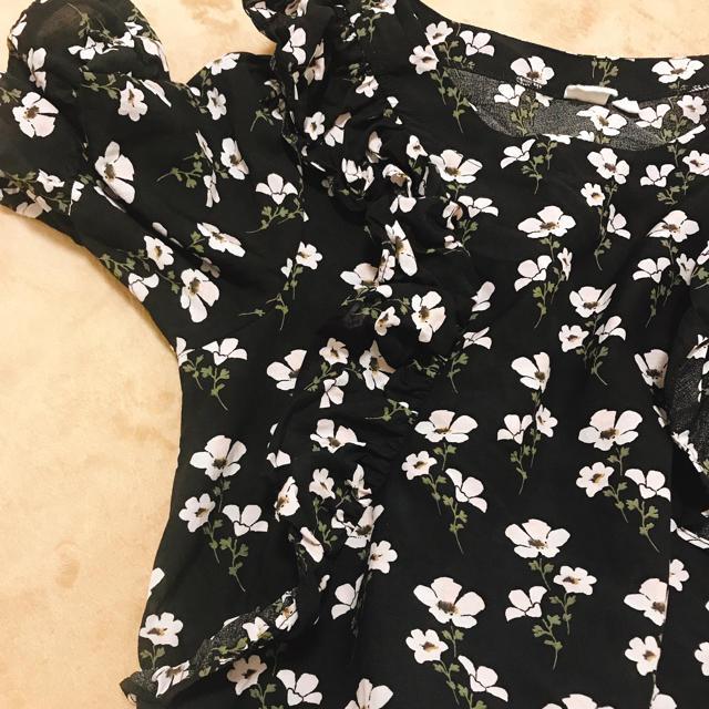 GAP(ギャップ)のGAP 花柄 トップス レディースのトップス(シャツ/ブラウス(半袖/袖なし))の商品写真