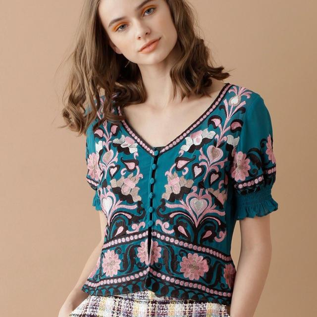 GRACE CONTINENTAL(グレースコンチネンタル)の刺繍半袖top レディースのトップス(シャツ/ブラウス(半袖/袖なし))の商品写真
