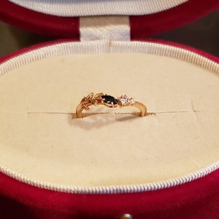 アガット(agete)の美品 agete アガット ピンキー リング サファイア ダイヤ 現行品(リング(指輪))