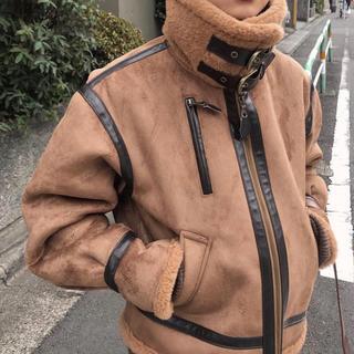 アメリヴィンテージ(Ameri VINTAGE)のcamel flight jacket(ムートンコート)