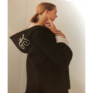 FOXEY - フォクシーキャラメルオレンジジャケット2通り襟直営店限定42