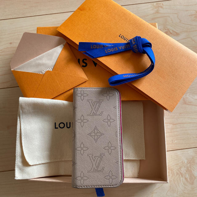 iphone8 ケース ゲス | LOUIS VUITTON - LOUIS VUITTON・フォリオ iPhoneの通販