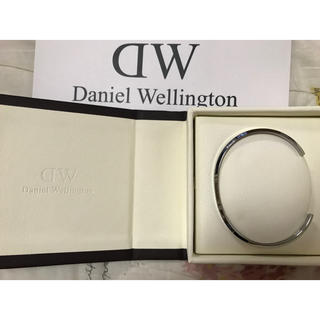 ダニエルウェリントン(Daniel Wellington)の   (箱付き)DWダニエルウェリントンバングルシルバーL(バングル/リストバンド)