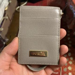 フルラ(Furla)のFURLAの定期・カード入れ(名刺入れ/定期入れ)