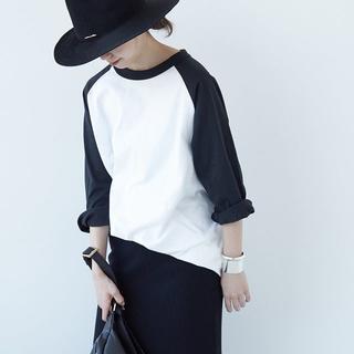 ドゥーズィエムクラス(DEUXIEME CLASSE)の新品 今年購入 Champion ラグラン BIG Tシャツ 刺繍ロゴワッペン(Tシャツ(長袖/七分))