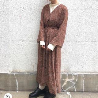 カスタネ(Kastane)の長袖花柄シフォンワンピース(ロングワンピース/マキシワンピース)