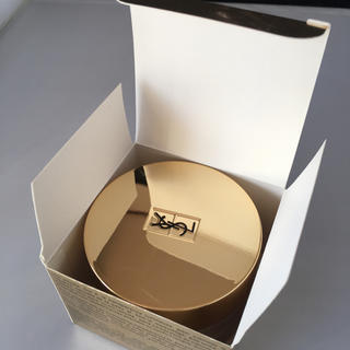 イヴサンローランボーテ(Yves Saint Laurent Beaute)の新品未開封 イブサンローラン フェイスパウダー スフレエクラ#01(フェイスパウダー)