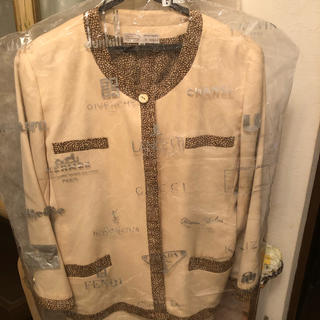 ■ボルボネーゼ 裏地まで贅沢にこだわったジャケット(ノーカラージャケット)