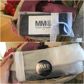エムエムシックス(MM6)のMM6 新品 未開封 黒 クラッチ ミニ ポーチ 包装 レア プレゼントにも(クラッチバッグ)