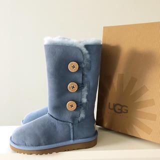 アグ(UGG)のUGG キッズ ブーツ ボタン 13 18cm 新品 CNTB アグ(ブーツ)