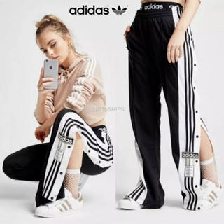 アディダス(adidas)のadidas💙トラックパンツ(カジュアルパンツ)