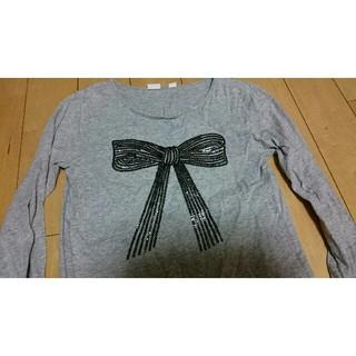 ギャップ(GAP)の【送料無料】GAP祭り 女の子 長袖Tシャツ140cm 袖口に墨汁の汚れ有 中古(Tシャツ/カットソー)