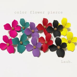 リリーブラウン(Lily Brown)のj267.color flower pierce(ピアス)
