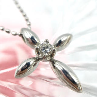 ☆K18WG ダイヤモンド 0.05ct クロス モチーフ ネックレス 40cm(ネックレス)