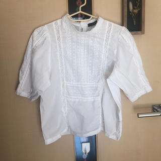 ダブルクローゼット(w closet)のw closet 白 ブラウス(シャツ/ブラウス(半袖/袖なし))
