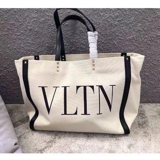 valentino garavani - valentino ヴァレンティノ VLTN トートバッグ美品