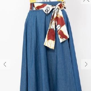 セシルマクビー(CECIL McBEE)の【新品】スカーフ付きフレアスカート(ロングスカート)