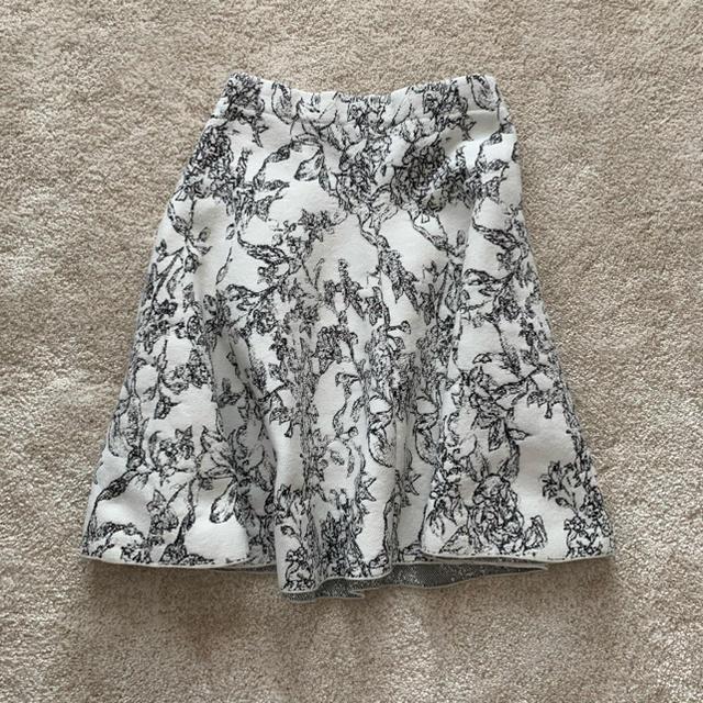 LE CIEL BLEU(ルシェルブルー)のルシェブルー スカート レディースのスカート(ひざ丈スカート)の商品写真
