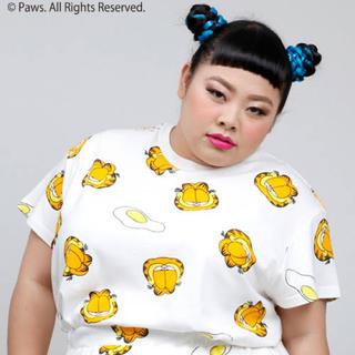 プニュズ(PUNYUS)のPUNYUS プニュズ × ガーフィールド コラボ Tシャツ サイズ2 総柄(Tシャツ(半袖/袖なし))