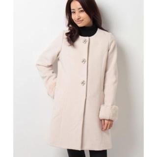 トランテアンソンドゥモード(31 Sons de mode)の袖ファービジュー付きコート(毛皮/ファーコート)