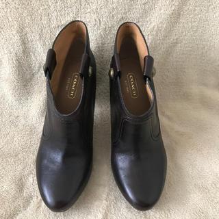 コーチ(COACH)の【新品未使用】COACH Aliza Waxy Leather(チョコ)(ブーティ)