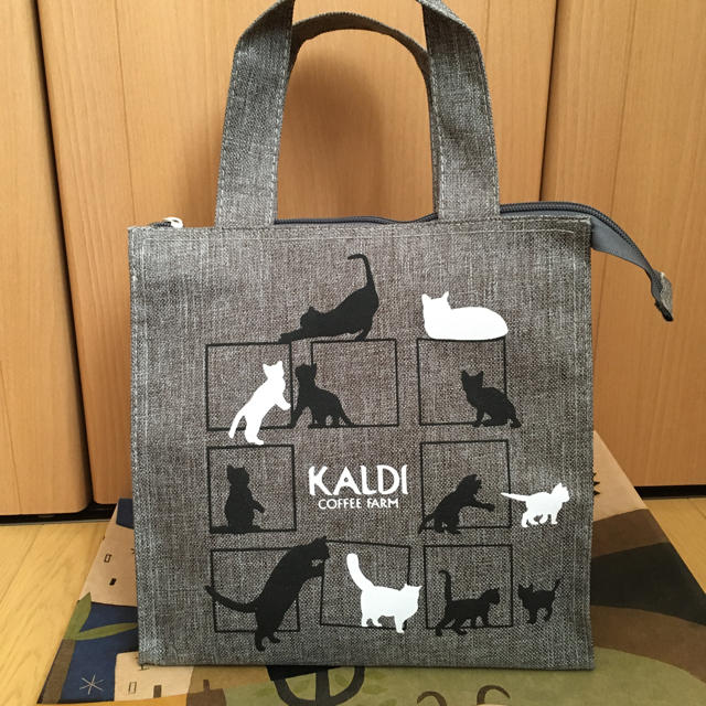 KALDI(カルディ)のてこりな様専用 ネコバッグ リサージ ボディミルク ポーチ レディースのバッグ(トートバッグ)の商品写真