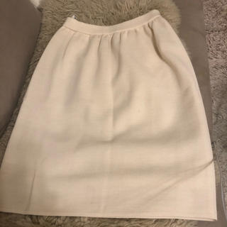 バーニーズニューヨーク(BARNEYS NEW YORK)のニットスカート オフホワイト アイボリー S(ひざ丈スカート)