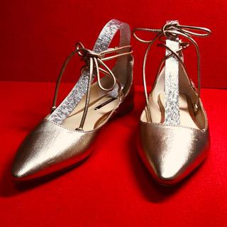 ザラ(ZARA)のZARA BASIC ザラベーシック ゴールド アンクル  シューズ(ローファー/革靴)
