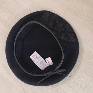 リリーブラウン(Lily Brown)のLilly brown 刺繍ベレー帽(ハンチング/ベレー帽)