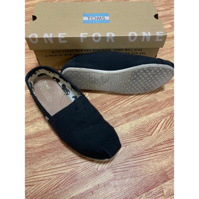 TOMS(トムズ)のTOM's トムズ ブラック 25 レディースの靴/シューズ(スニーカー)の商品写真