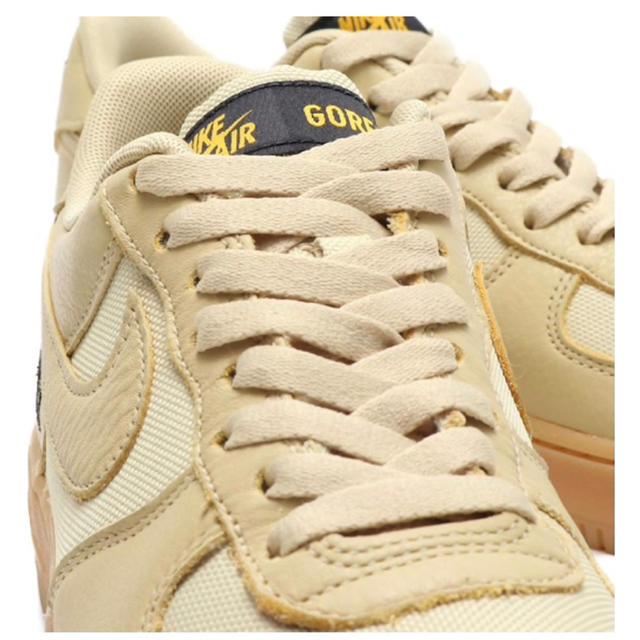 NIKE(ナイキ)のナイキ エアフォース1 ゴアテックス ゴールド 27.5cm メンズの靴/シューズ(スニーカー)の商品写真