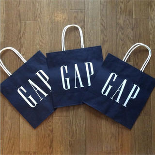 ギャップ(GAP)のギャップ★ネイビー紙袋★新品★未使用 GAPロゴ入りショッパー 3枚セット(ショップ袋)