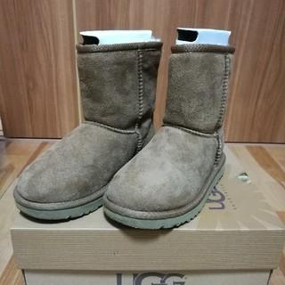 アグ(UGG)の【正規品】【美品箱付き】UGGブーツ 子供用 18.5センチ(ブーツ)