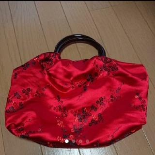赤×黒の梅刺繍のチャイナサテンが鮮やかなリングハンドルバッグ(バッグ)