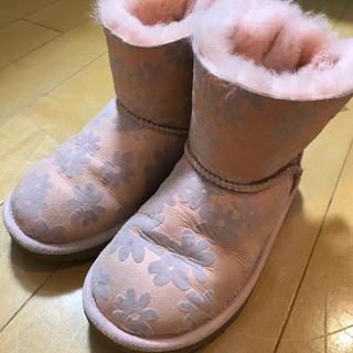 アグ(UGG)のUGG 花柄 ブーツ(ブーツ)