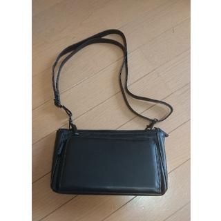バッグとお財布がひとつになった合成皮革製ブラックのお財布ポシェット(ショルダーバッグ)