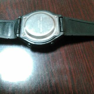 ディジタル時計。電池交換式(腕時計(デジタル))
