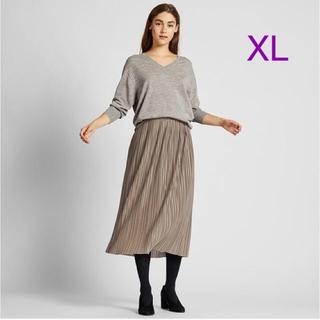 ユニクロ(UNIQLO)のユニクロ ランダムプリーツロングスカート XLサイズ/ベージュ 新品タグ付き!(ロングスカート)