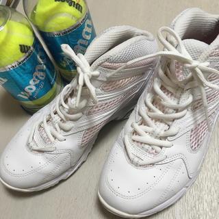 ミズノ(MIZUNO)の♡MIZUNO テニスシューズ♡テニスボール付!【美品】(シューズ)