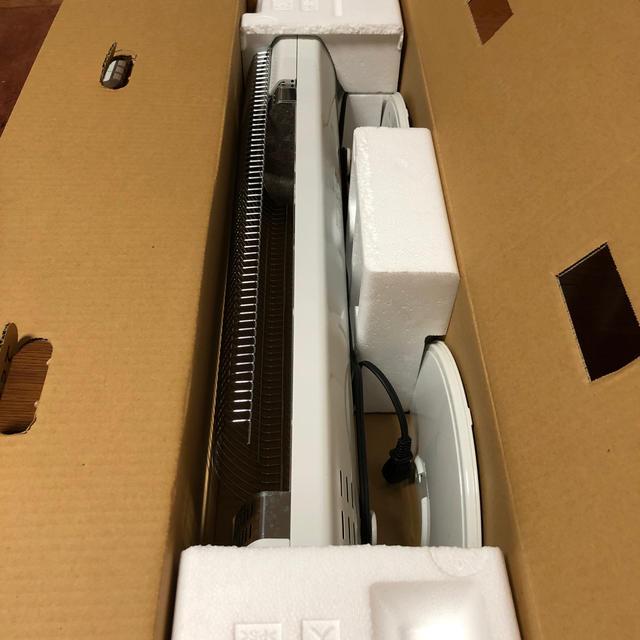 コロナ(コロナ)の値下 コロナ遠赤外線電気ストーブ DH-915R コアビートスリム スマホ/家電/カメラの冷暖房/空調(電気ヒーター)の商品写真