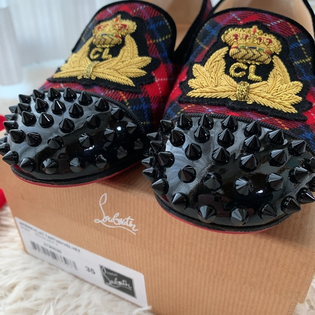 Christian Louboutin(クリスチャンルブタン)のクリスチャンルブタン スタッズローファー レディースの靴/シューズ(ローファー/革靴)の商品写真