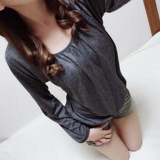 グレー長袖シャツ(Tシャツ(長袖/七分))