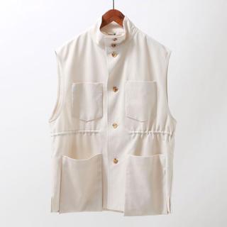 トゥデイフル(TODAYFUL)のオーラリーHARD TWIST DOUBLE CLOTH VEST WHITE(ベスト/ジレ)