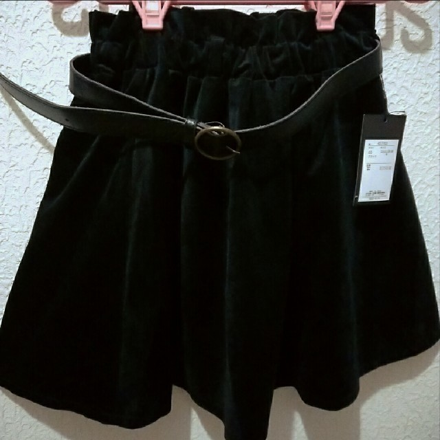 Avail(アベイル)の新品 Avail ベルト付き ベロア フレア スカート♥S しまむら レディースのスカート(ミニスカート)の商品写真