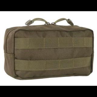 ユニフレーム(UNIFLAME)のフィールドトラックに最適なサイドバッグ、キャンプアウトドアに最適 カーキ色(テーブル/チェア)