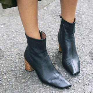 アメリヴィンテージ(Ameri VINTAGE)の限定セール【新品 未使用】Ameri vintage ラムレザー ショートブーツ(ブーツ)