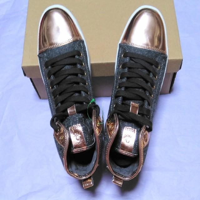 BENETTON(ベネトン)の☆新品☆【BENETTON】光沢バイカラー ハイカットスニーカー レディースの靴/シューズ(スニーカー)の商品写真