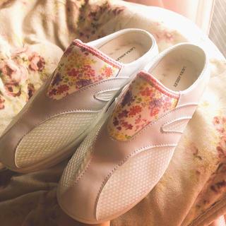 ローラアシュレイ(LAURA ASHLEY)のローラアシュレイ ナースシューズ  花柄 ピンク(その他)