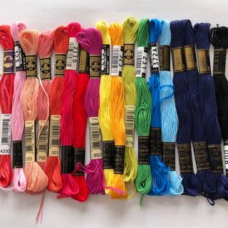 オリンパス(OLYMPUS)のクロステッチ刺繍糸 色々18束(生地/糸)