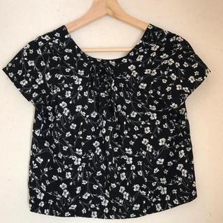 エモダ(EMODA)のEMODA 花柄Tシャツ(Tシャツ(半袖/袖なし))